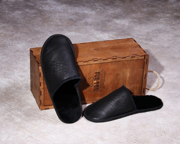 "Buy Men's Real Tanned Slippers ""Black Crocodile"""
