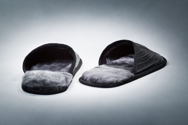 """Buy Slippers Man Real Tanned Fur With """"Crocodile"""" Cover Black Last Pair"""